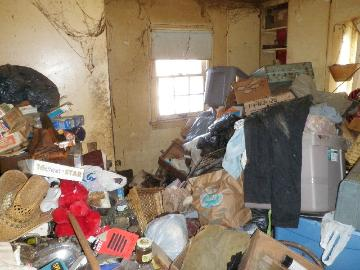 Hoarder house - trash in kitchen